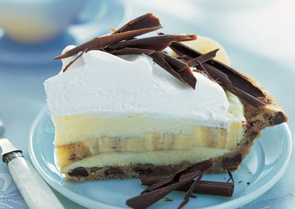 jument banana cream pie with chocolate chip cookie crust h