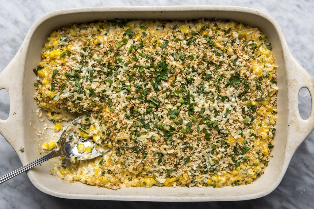 בטירוף Cheesy Corn Casserole