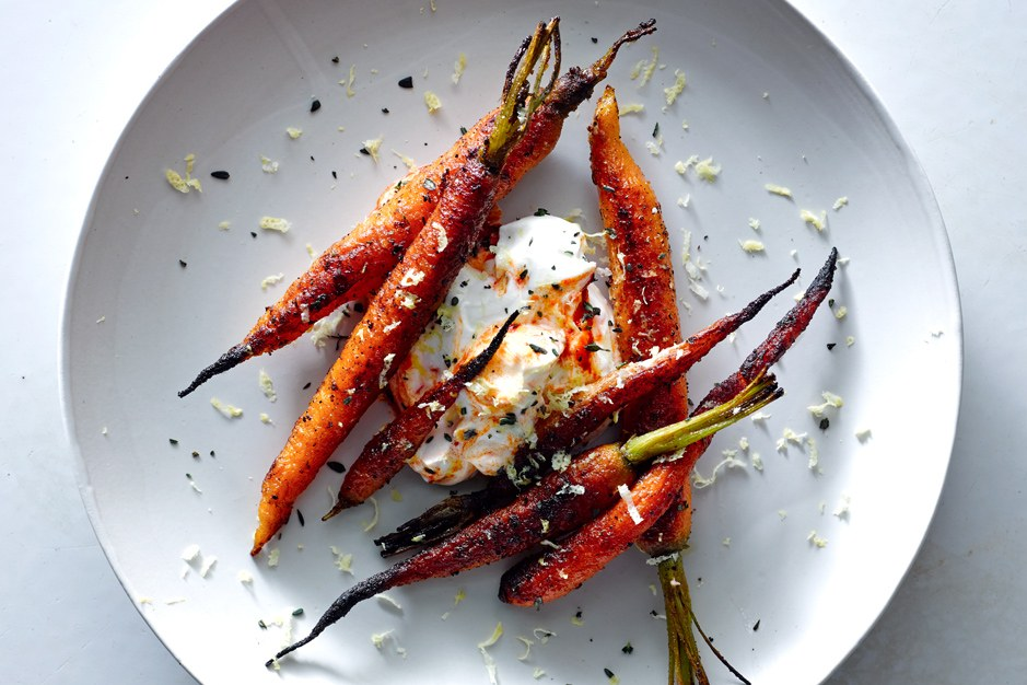 תבלינים Carrots with Harissa Yogurt