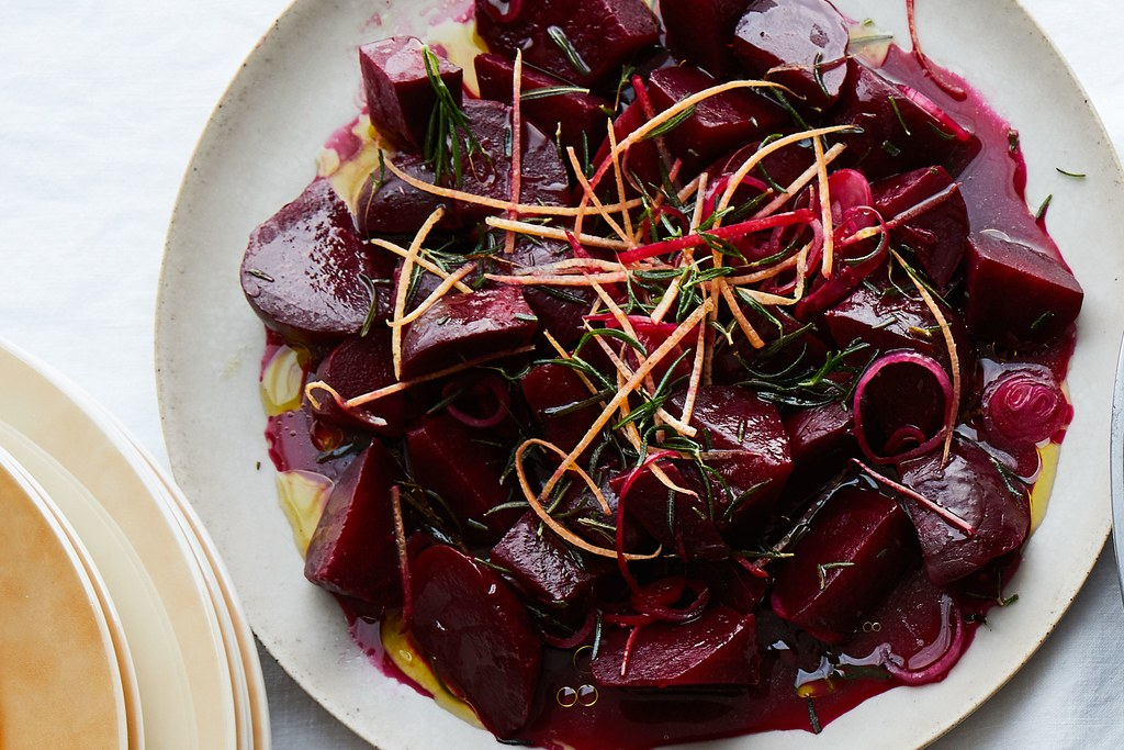 קלויים Beets with Grapefruit and Rosemary