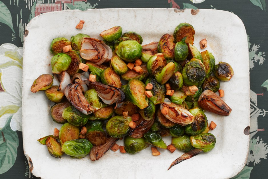 בריסל Sprouts with Shallots and Salt Pork