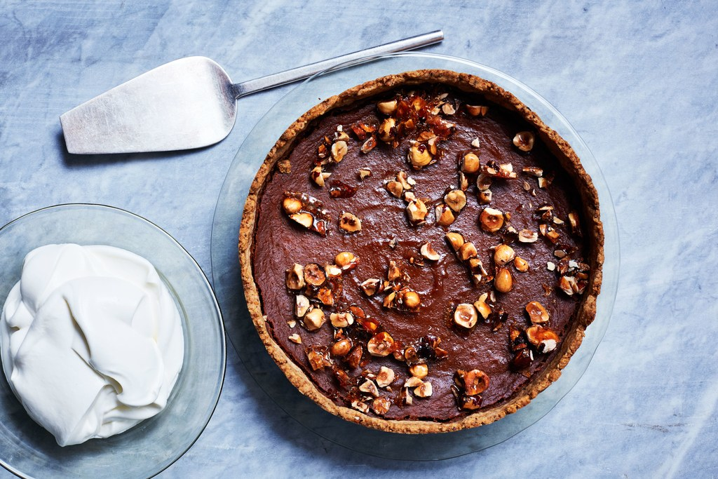 Kürbis-Karamell Tart with Toasted-Hazelnut Crust