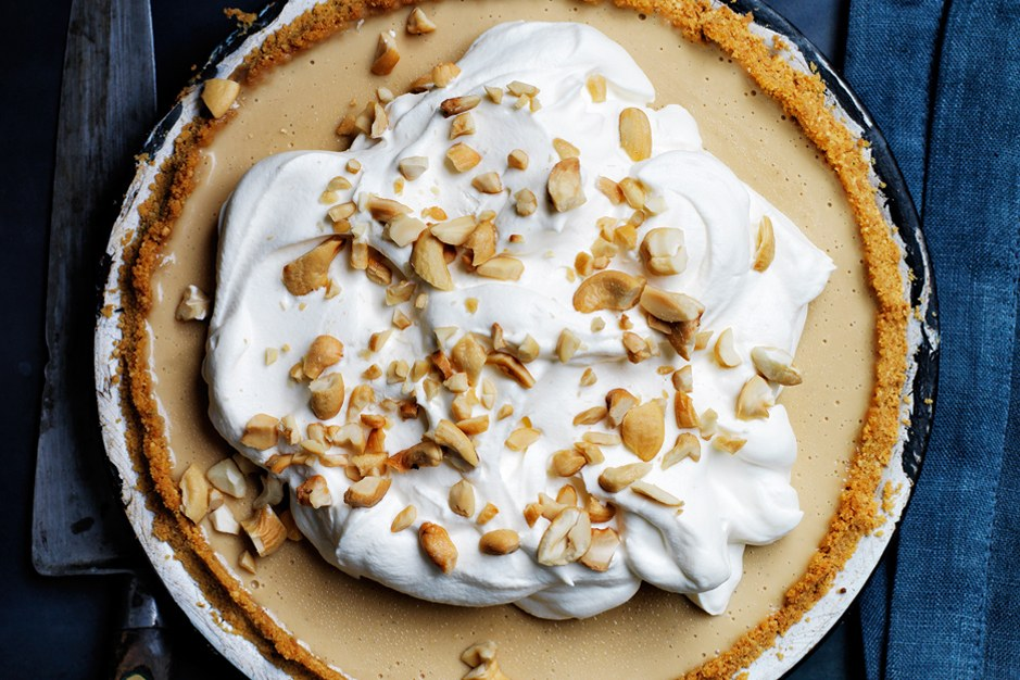 Buttertoffee Pie with Curry Crust