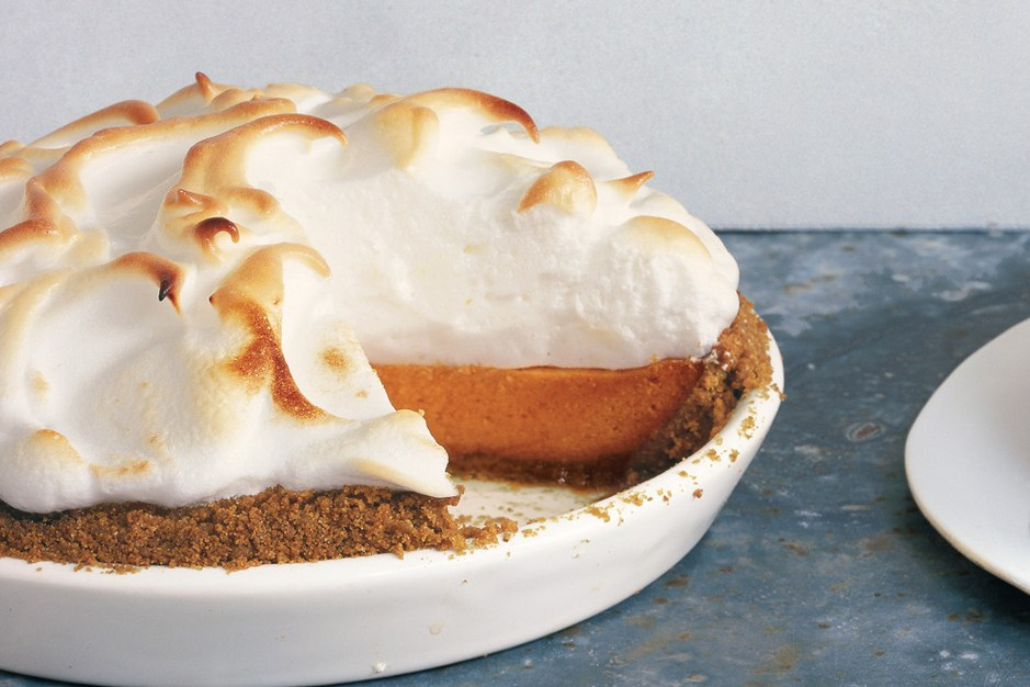 Süss Potato Pie with Marshmallow Meringue