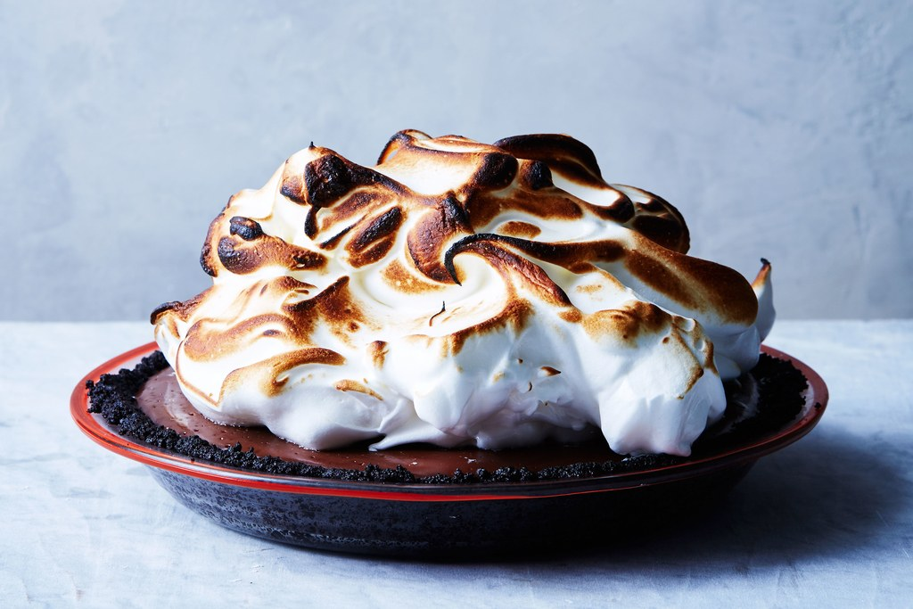 Nicht backen Chocolate Cream Pie with Toasted Meringue