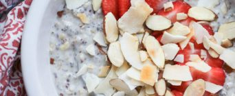 strawberry-and-toasted-almond-overnight-grains-8-660x430[1]